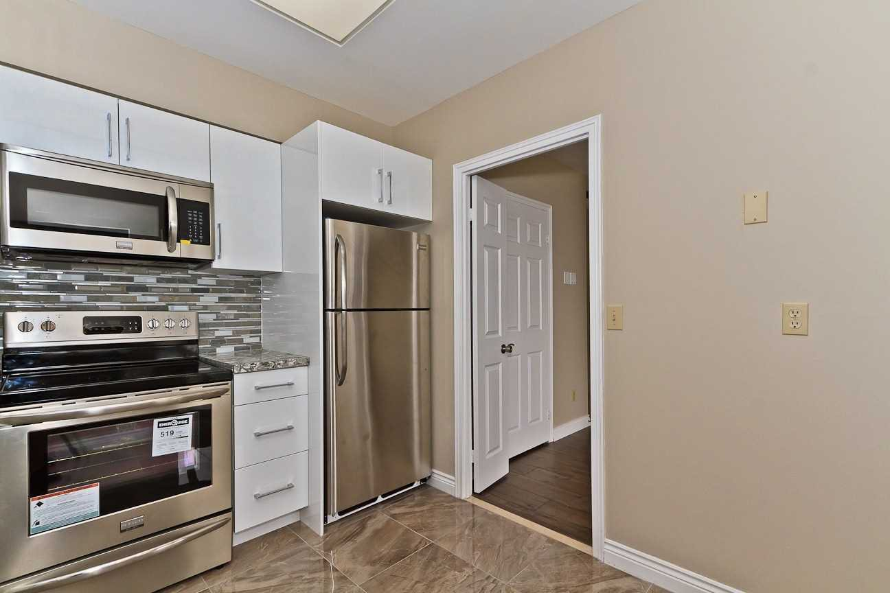 Photo 6: Photos: Ph 7 880 W Dundas Street in Mississauga: Erindale Condo for sale : MLS®# W4568093
