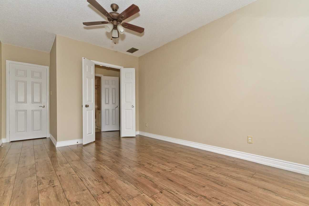 Photo 20: Photos: Ph 7 880 W Dundas Street in Mississauga: Erindale Condo for sale : MLS®# W4568093