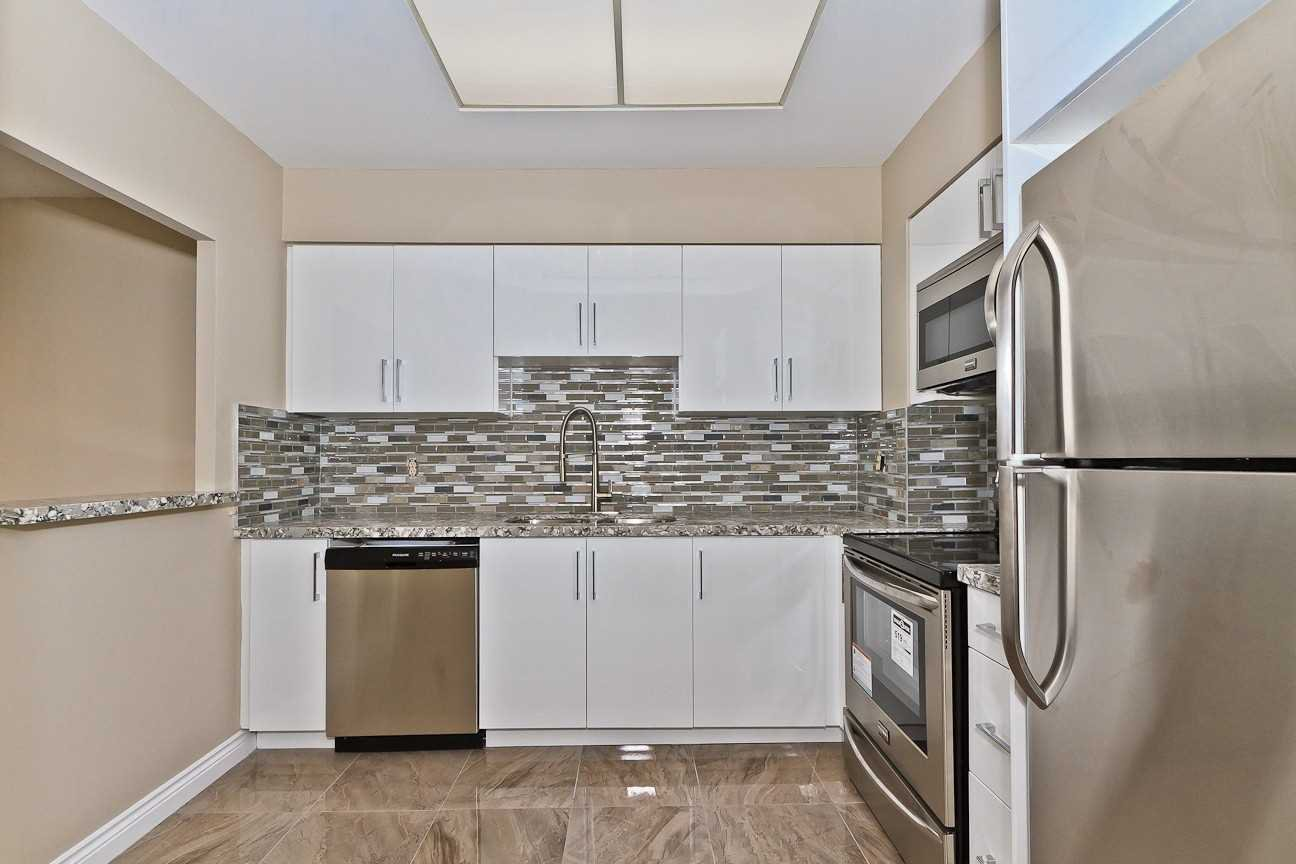 Photo 5: Photos: Ph 7 880 W Dundas Street in Mississauga: Erindale Condo for sale : MLS®# W4568093