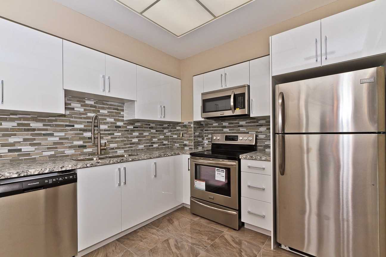 Photo 9: Photos: Ph 7 880 W Dundas Street in Mississauga: Erindale Condo for sale : MLS®# W4568093