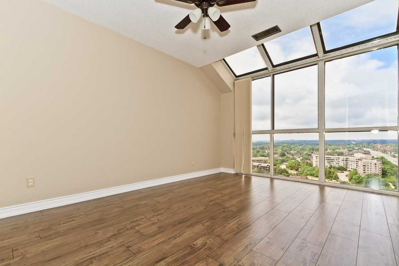 Photo 16: Photos: Ph 7 880 W Dundas Street in Mississauga: Erindale Condo for sale : MLS®# W4568093