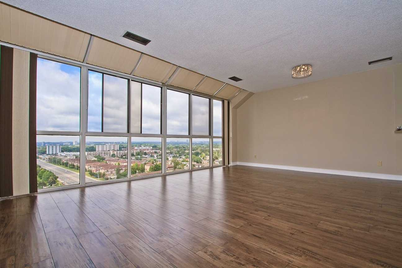Photo 13: Photos: Ph 7 880 W Dundas Street in Mississauga: Erindale Condo for sale : MLS®# W4568093