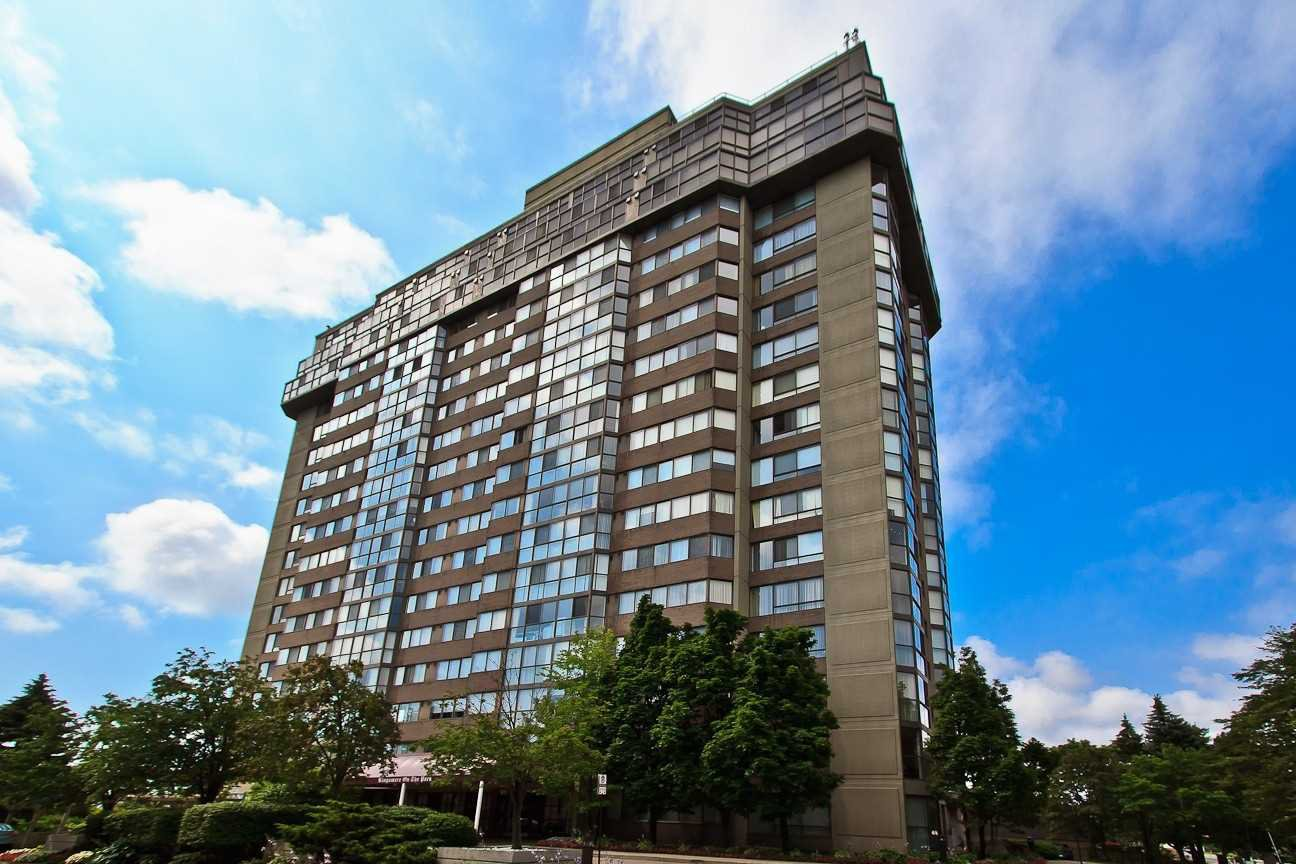 Main Photo: Ph 7 880 W Dundas Street in Mississauga: Erindale Condo for sale : MLS®# W4568093