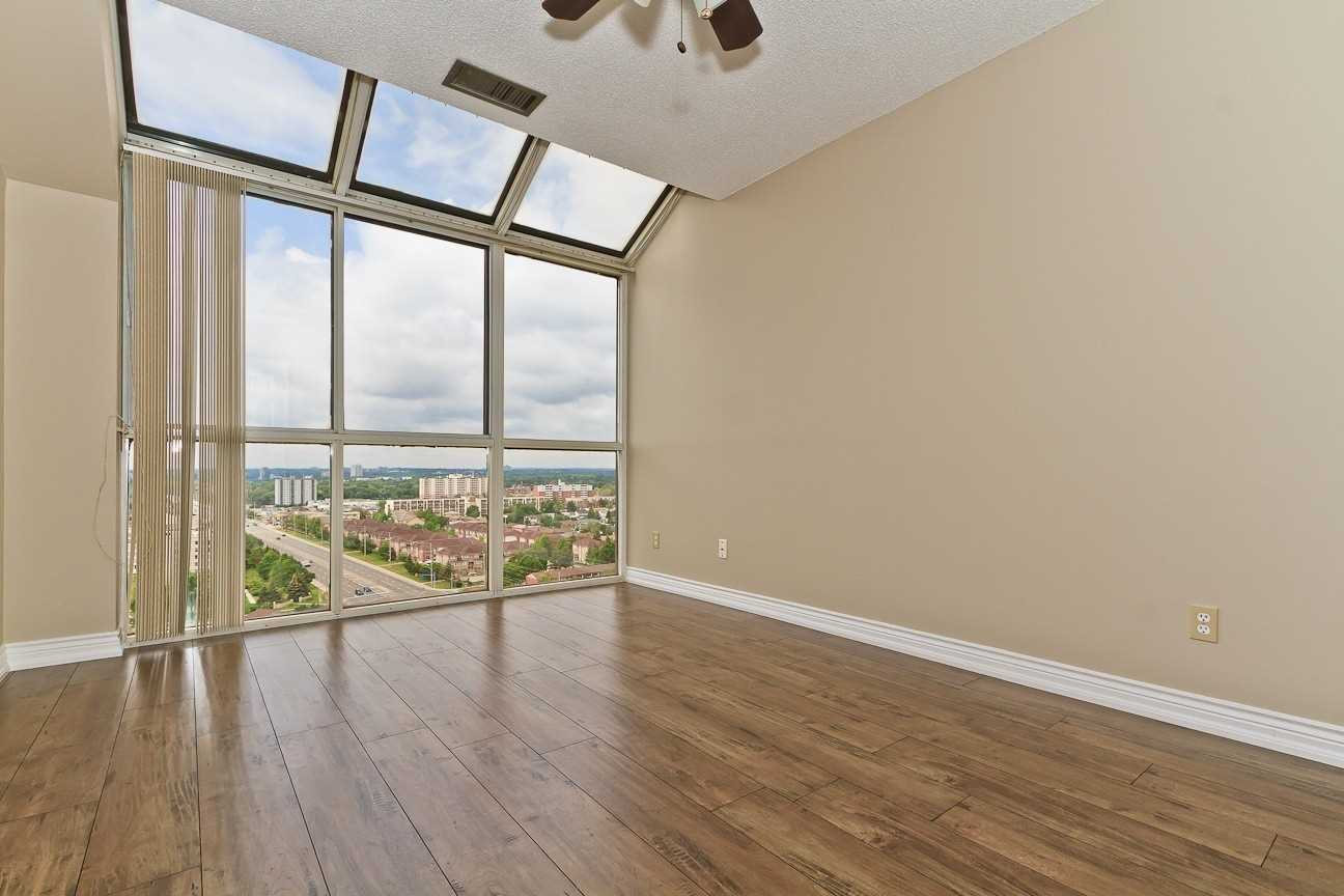 Photo 17: Photos: Ph 7 880 W Dundas Street in Mississauga: Erindale Condo for sale : MLS®# W4568093