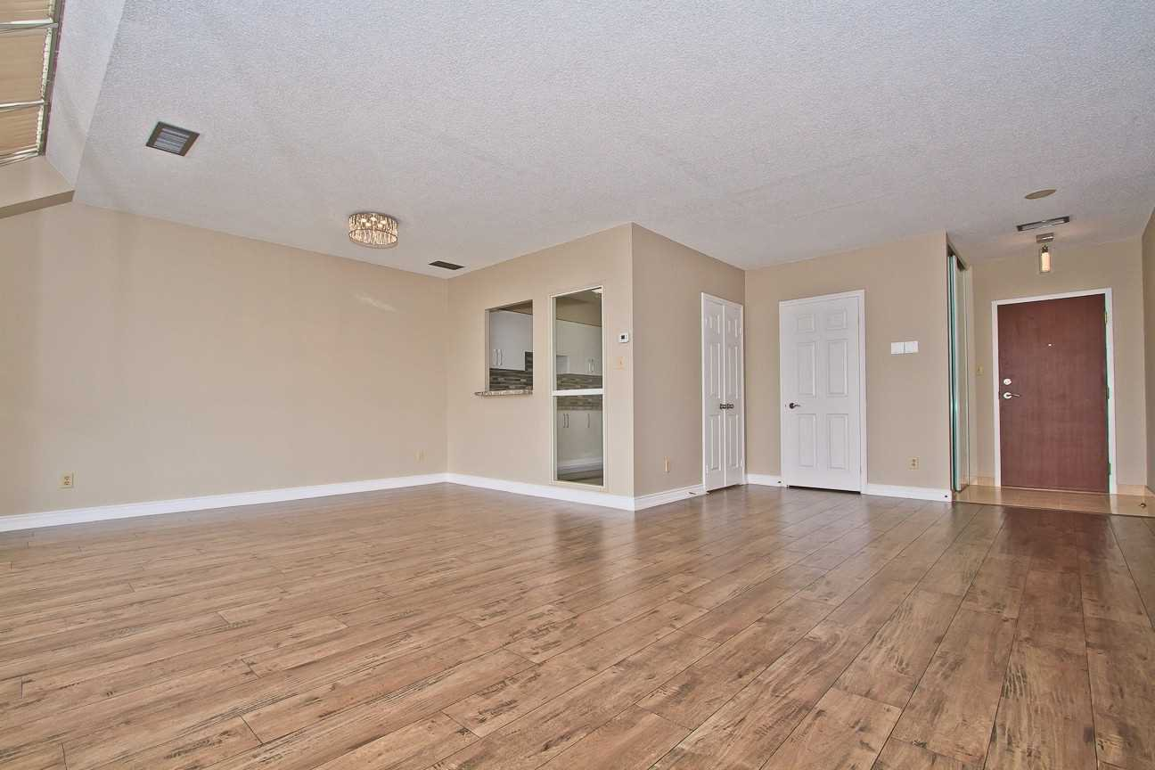 Photo 11: Photos: Ph 7 880 W Dundas Street in Mississauga: Erindale Condo for sale : MLS®# W4568093