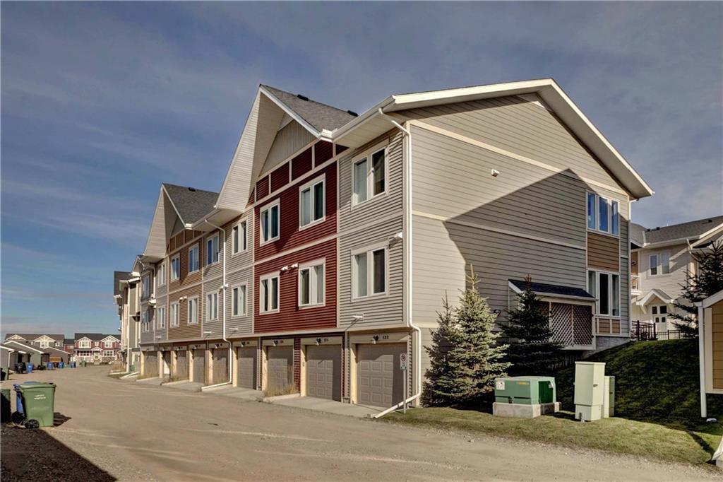 Photo 3: Photos: 124 AUBURN MEADOWS Walk SE in Calgary: Auburn Bay Row/Townhouse for sale : MLS®# C4273742