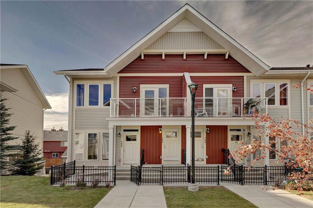 Photo 1: Photos: 124 AUBURN MEADOWS Walk SE in Calgary: Auburn Bay Row/Townhouse for sale : MLS®# C4273742