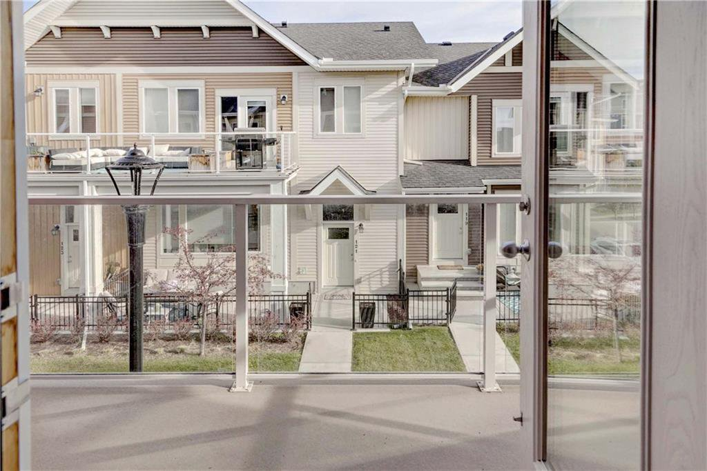 Photo 7: Photos: 124 AUBURN MEADOWS Walk SE in Calgary: Auburn Bay Row/Townhouse for sale : MLS®# C4273742