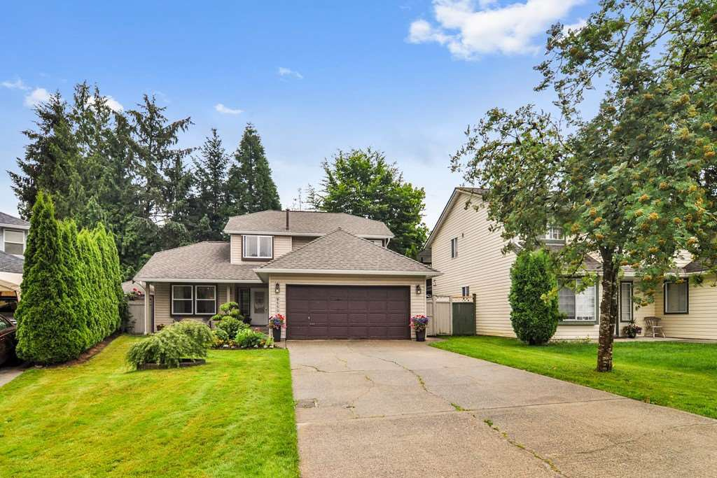 "Main Photo: 9550 215B Street in Langley: Walnut Grove House for sale in ""Country Meadows"" : MLS®# R2472091"