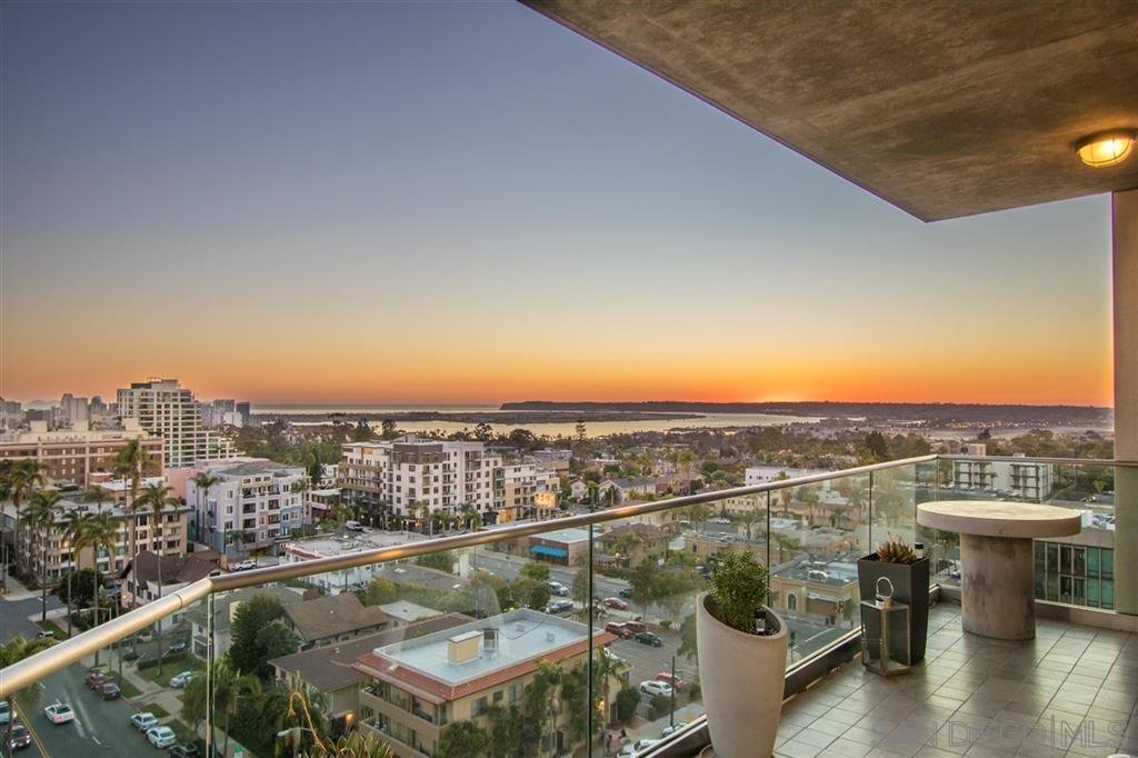 Main Photo: MISSION HILLS Condo for sale : 2 bedrooms : 3415 6TH AVENUE #12 in San Diego