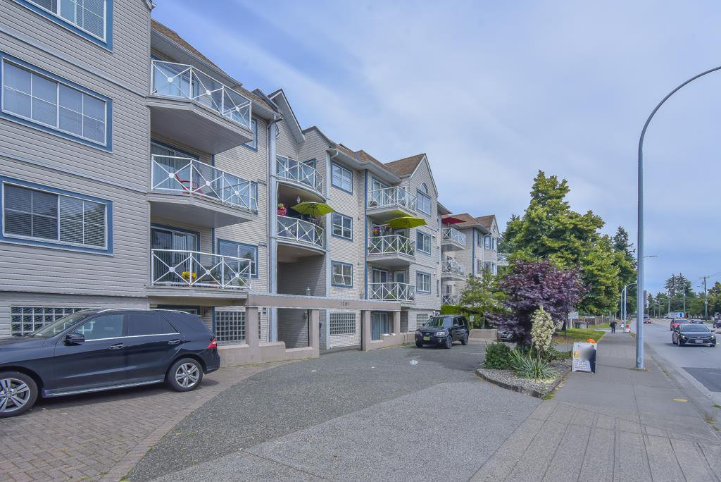 "Main Photo: 215 12101 80 Avenue in Surrey: Queen Mary Park Surrey Condo for sale in ""Surrey Town Manor"" : MLS®# R2492987"