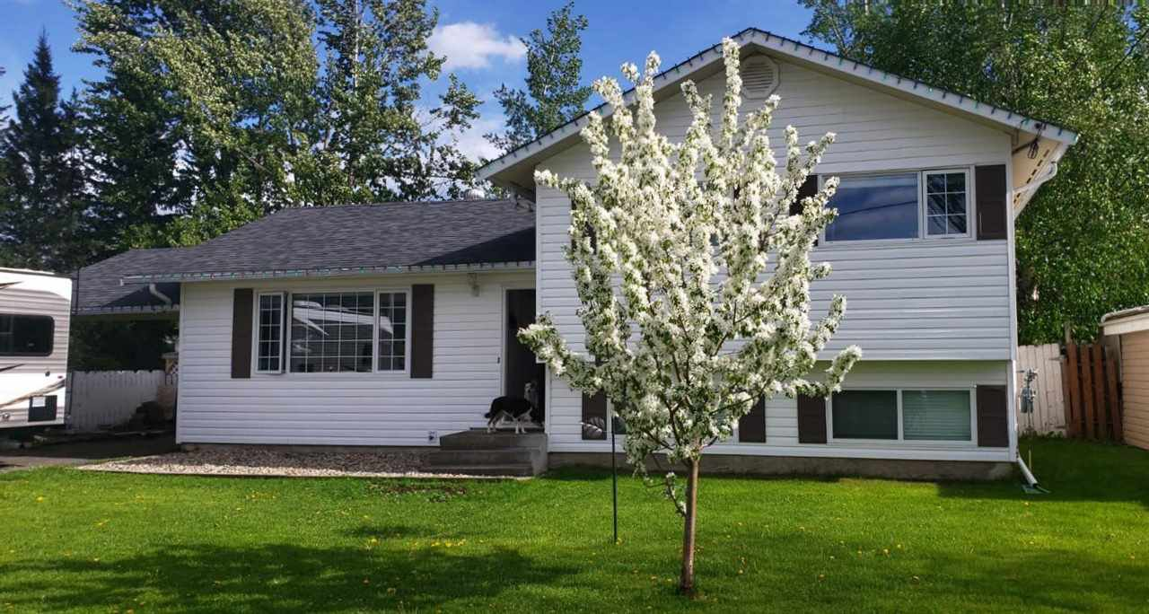 Main Photo: 45 OMINECA Crescent in Mackenzie: Mackenzie -Town House for sale (Mackenzie (Zone 69))  : MLS®# R2514161