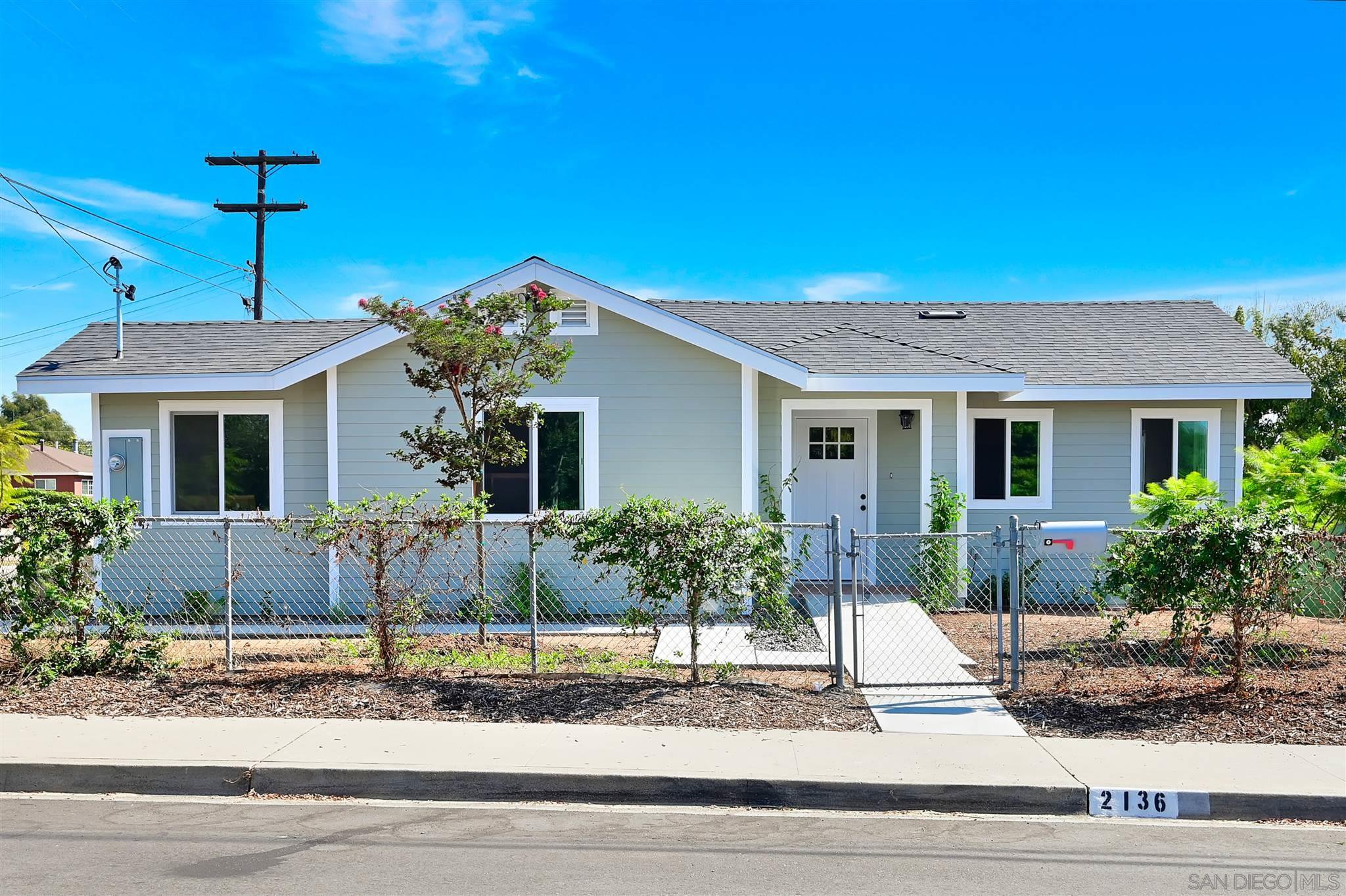 Main Photo: NATIONAL CITY House for sale : 4 bedrooms : 2136 22nd