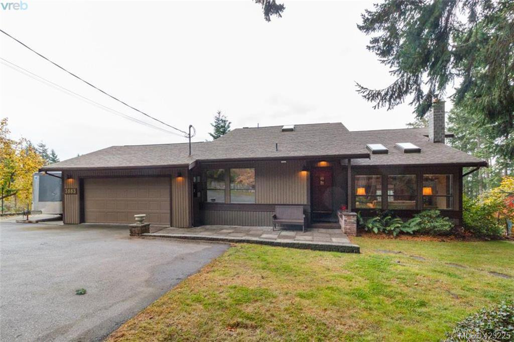Main Photo: 3883 Graceland Drive in VICTORIA: Me Albert Head Single Family Detached for sale (Metchosin)  : MLS®# 423225