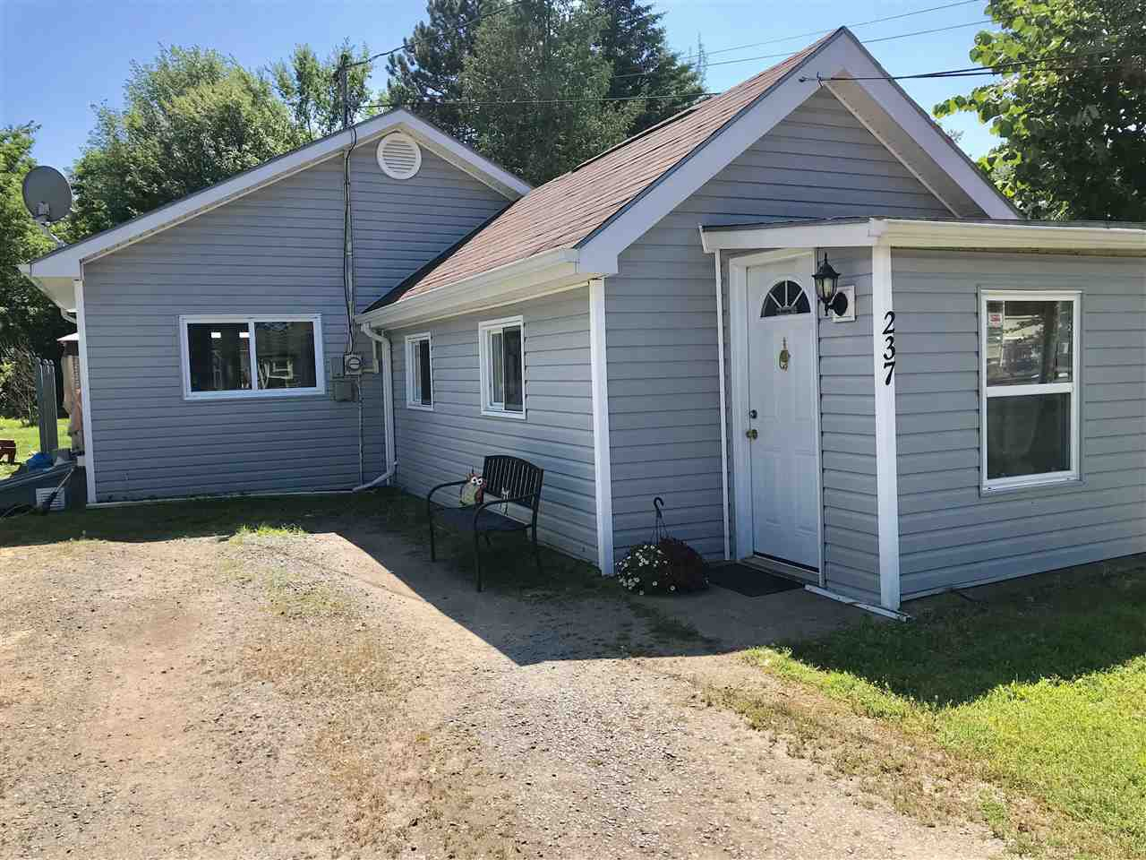 Main Photo: 237 Main Street in Berwick: 404-Kings County Residential for sale (Annapolis Valley)  : MLS®# 202007311