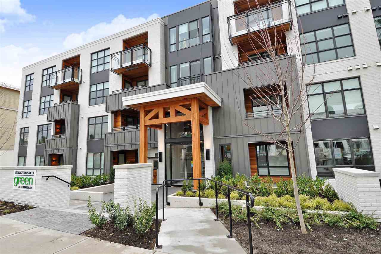Main Photo: 204 733 E 3RD Street in North Vancouver: Lower Lonsdale Condo for sale : MLS®# R2467432