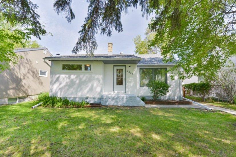 Main Photo: 1055 Howard Avenue in Winnipeg: West Fort Garry Residential for sale (1Jw)  : MLS®# 202015330