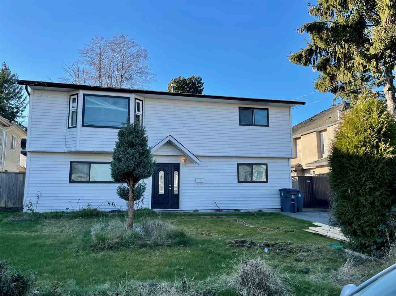 Main Photo: 7727 127 Street in Surrey: West Newton House for sale : MLS®# R2526710