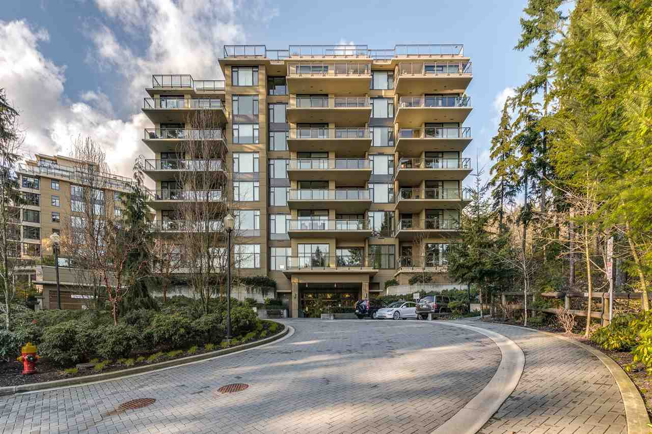 "Main Photo: 407 1415 PARKWAY Boulevard in Coquitlam: Westwood Plateau Condo for sale in ""The Cascade"" : MLS®# R2433884"