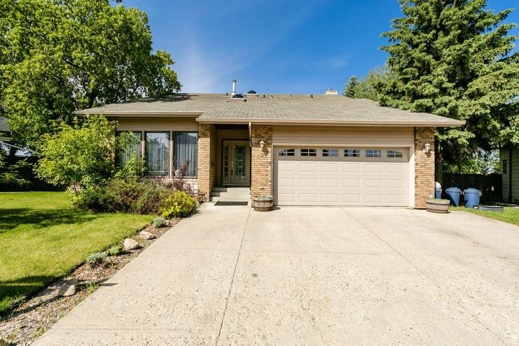Main Photo: 235 Grand Meadow Crescent in Edmonton: Zone 29 House for sale : MLS®# E4200933