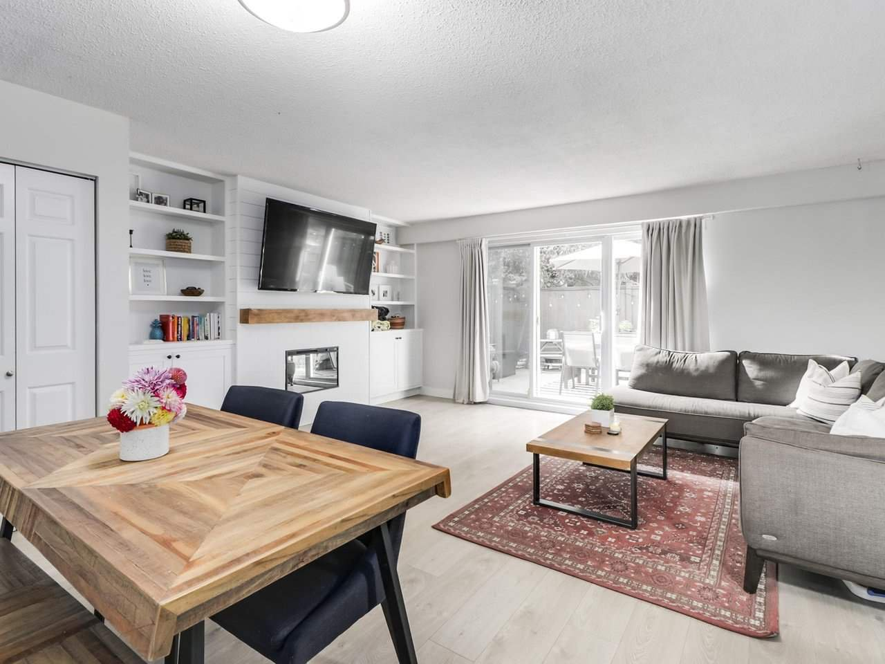 """Main Photo: 21 4949 57 Street in Delta: Hawthorne Townhouse for sale in """"OASIS"""" (Ladner)  : MLS®# R2505402"""