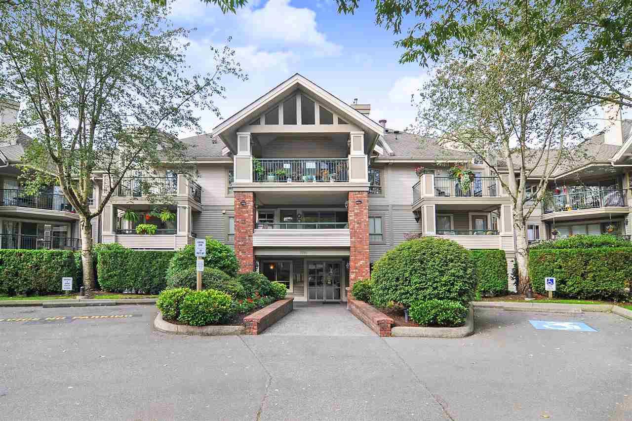 "Main Photo: 302 22015 48 Avenue in Langley: Murrayville Condo for sale in ""Autumn Ridge"" : MLS®# R2410669"