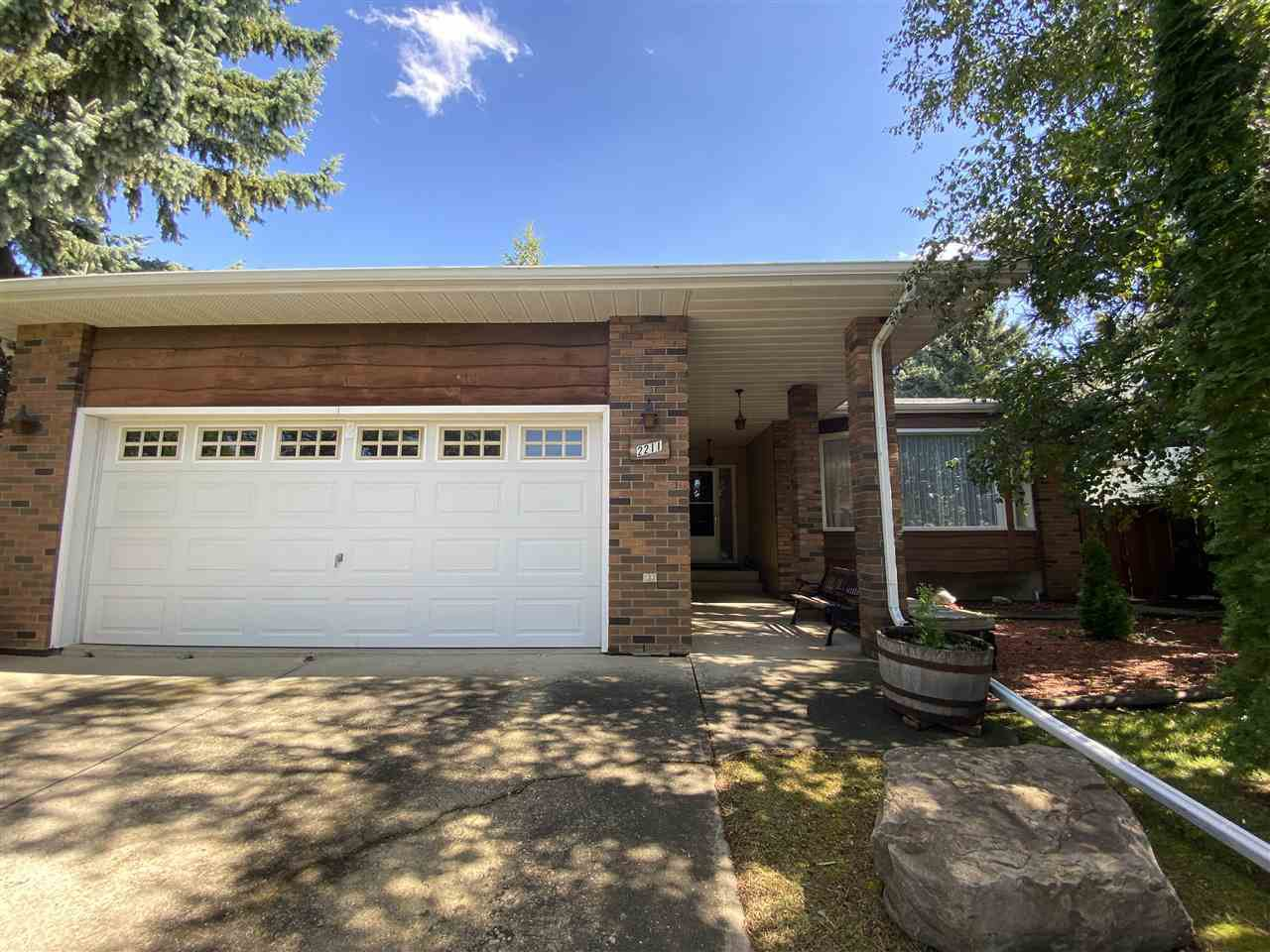 Main Photo: 2211 85 Street in Edmonton: Zone 29 House for sale : MLS®# E4211803