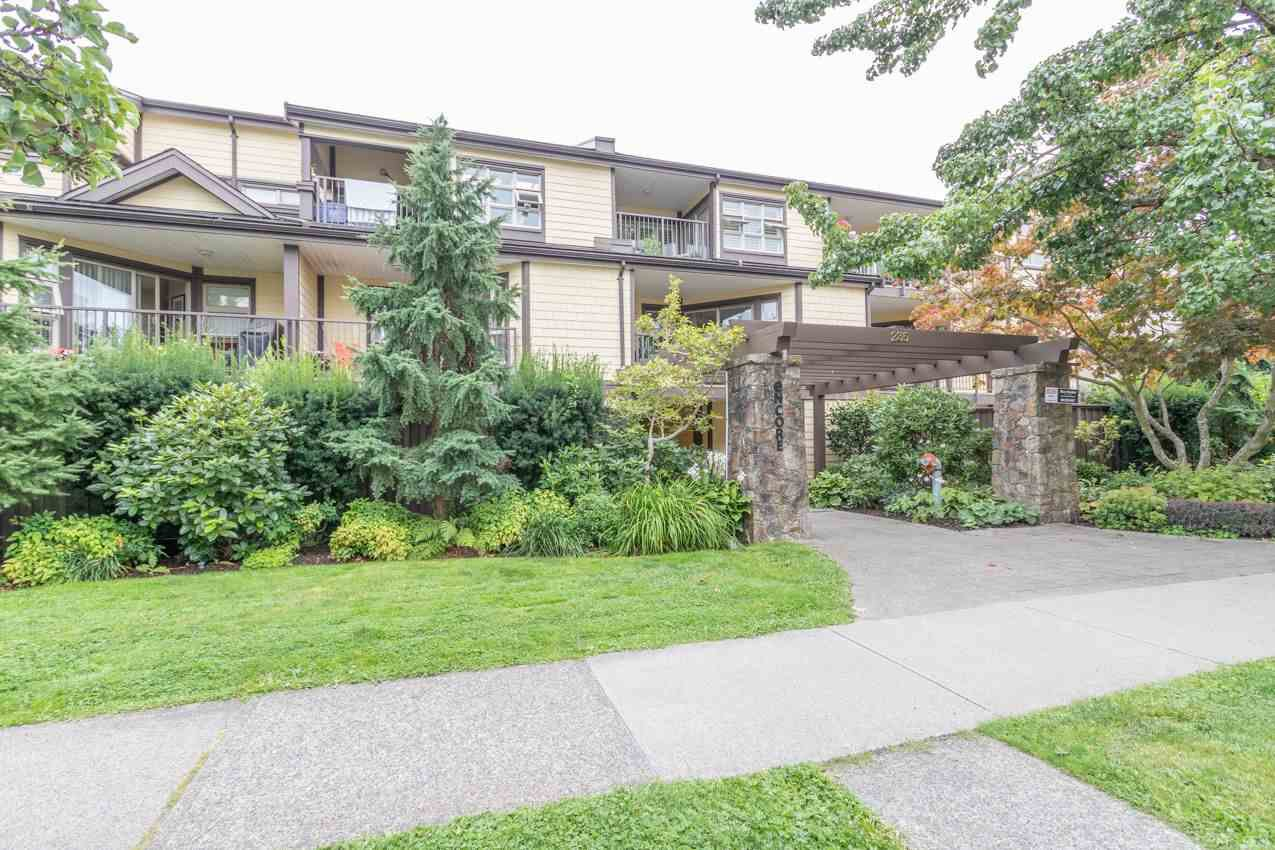 "Main Photo: 107 235 W 4TH Street in North Vancouver: Lower Lonsdale Condo for sale in ""ENCORE"" : MLS®# R2496585"