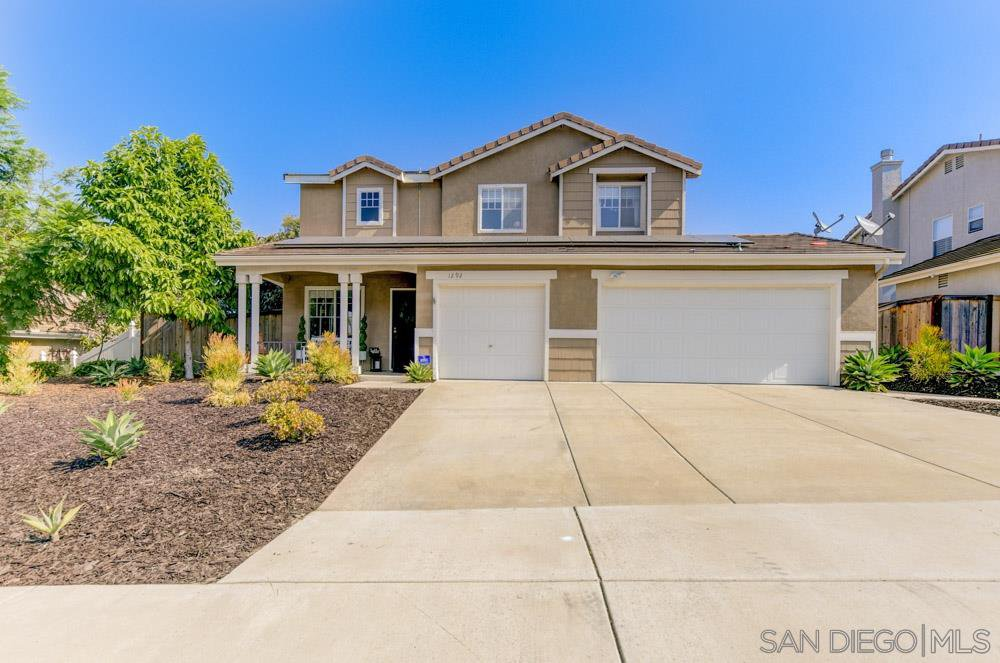 Main Photo: OCEANSIDE House for sale : 4 bedrooms : 1292 Cottonwood Drive