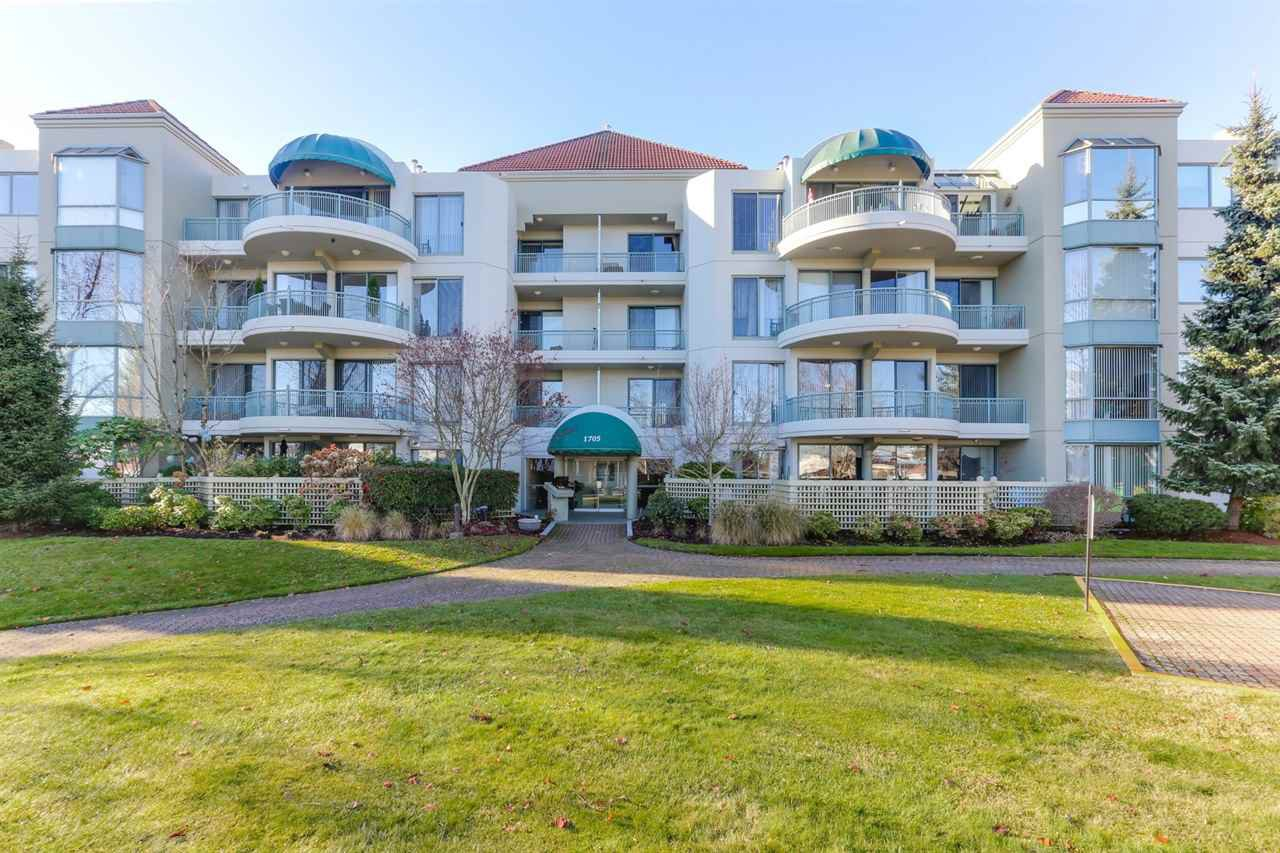 "Main Photo: 208 1705 MARTIN Drive in Surrey: Sunnyside Park Surrey Condo for sale in ""SOUTHWYNDS"" (South Surrey White Rock)  : MLS®# R2422683"