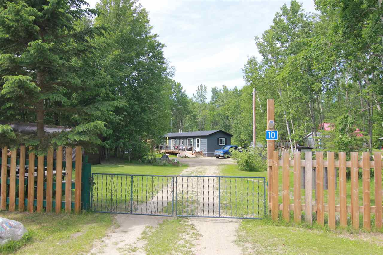 Main Photo: 10 Sidor Crescent: Rural Lac Ste. Anne County Manufactured Home for sale : MLS®# E4201526