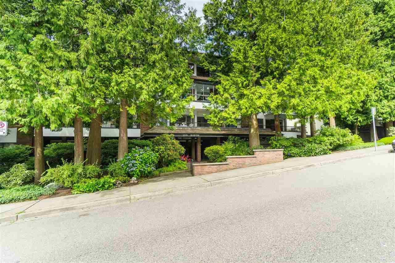 "Main Photo: 308 1319 MARTIN Street: White Rock Condo for sale in ""The Cedars"" (South Surrey White Rock)  : MLS®# R2473599"