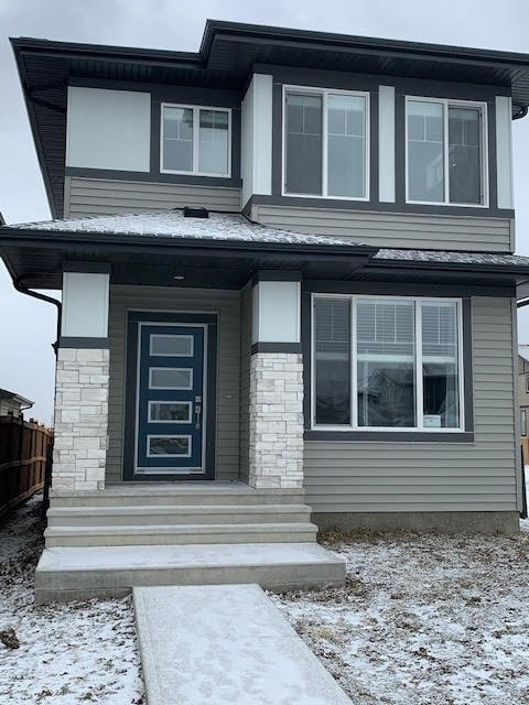 Main Photo: 562 LEWIS GREENS DRIVE in Edmonton: Zone 58 House for sale : MLS®# E4218515