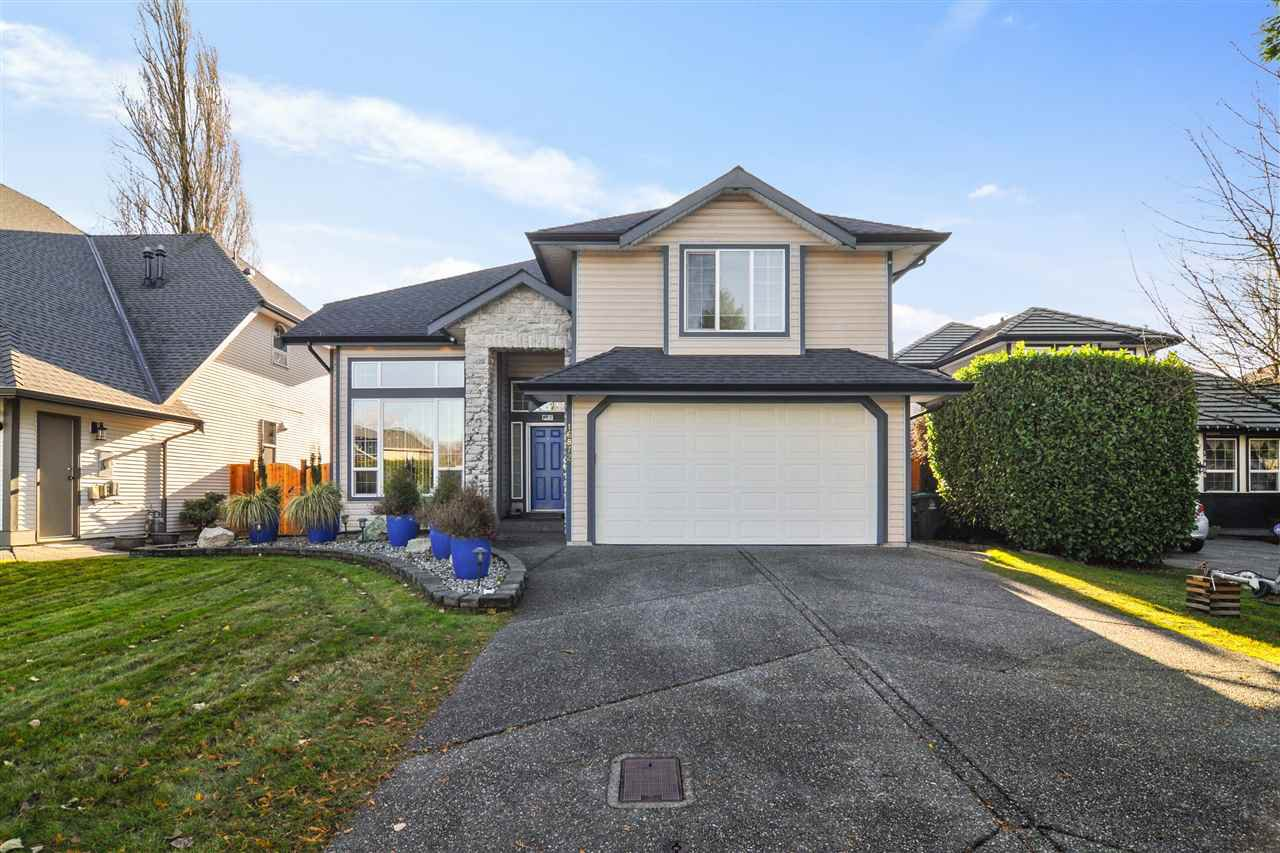 """Main Photo: 16872 60A Avenue in Surrey: Cloverdale BC House for sale in """"Parkview Terrace"""" (Cloverdale)  : MLS®# R2520612"""