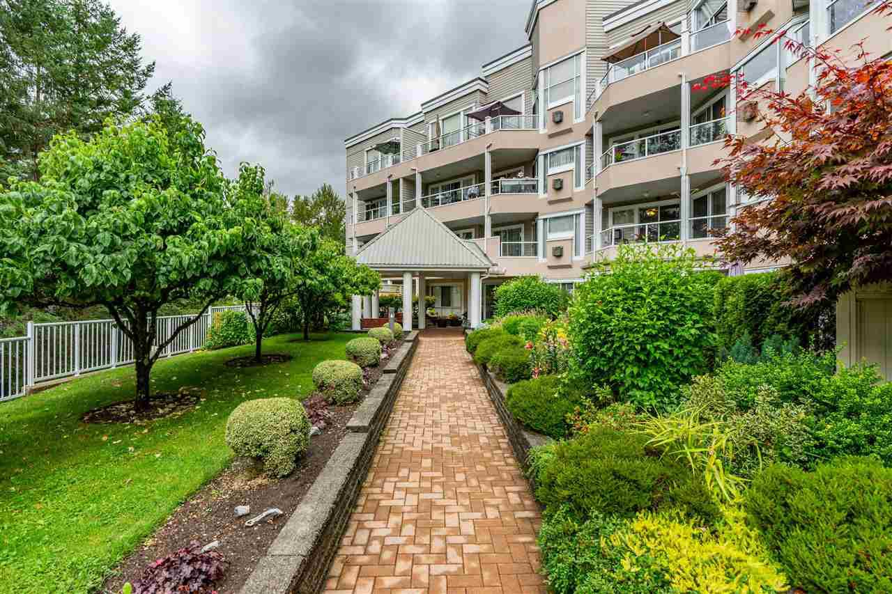 "Main Photo: 206 11605 227 Street in Maple Ridge: East Central Condo for sale in ""HILLCREST"" : MLS®# R2407078"