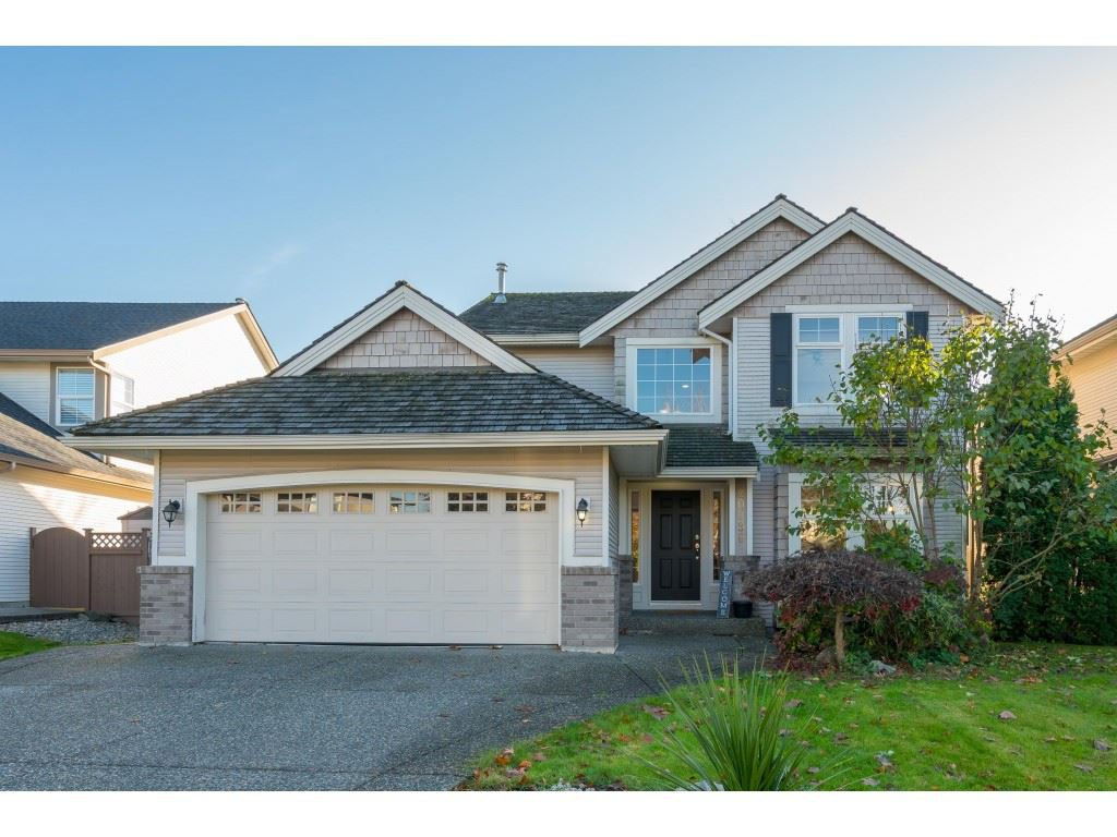 Main Photo: 20296 91B Avenue in Langley: Walnut Grove House for sale : MLS®# R2416892