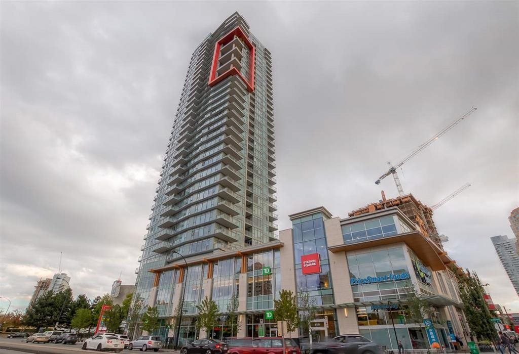 "Main Photo: 1002 4688 KINGSWAY in Burnaby: Metrotown Condo for sale in ""STATION SQUARE I"" (Burnaby South)  : MLS®# R2449653"