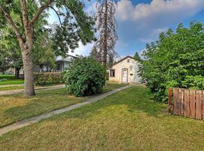 Main Photo: 2126 52 Avenue SW in Calgary: North Glenmore Park Detached for sale : MLS®# C4304825