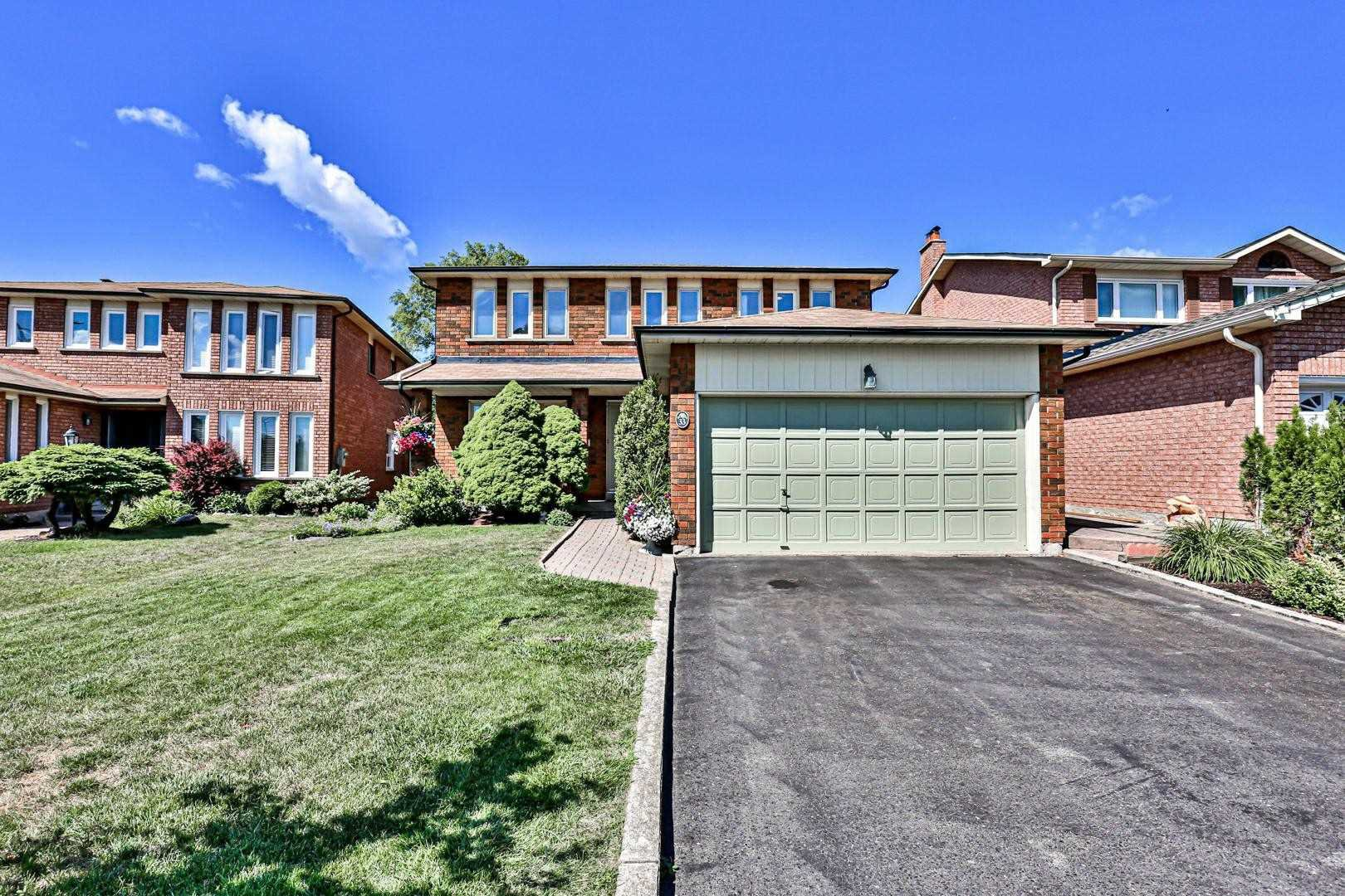 Main Photo: 33 Cobbler Crescent in Markham: Raymerville House (2-Storey) for sale : MLS®# N4840822