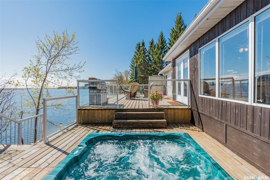 Main Photo: 66 Navy Avenue in Pike Lake: Residential for sale : MLS®# SK818642
