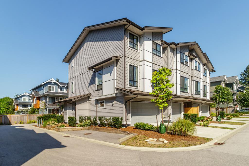 """Main Photo: 14 2139 PRAIRIE Avenue in Port Coquitlam: Glenwood PQ Townhouse for sale in """"WESTMOUNT PARK"""" : MLS®# R2398108"""