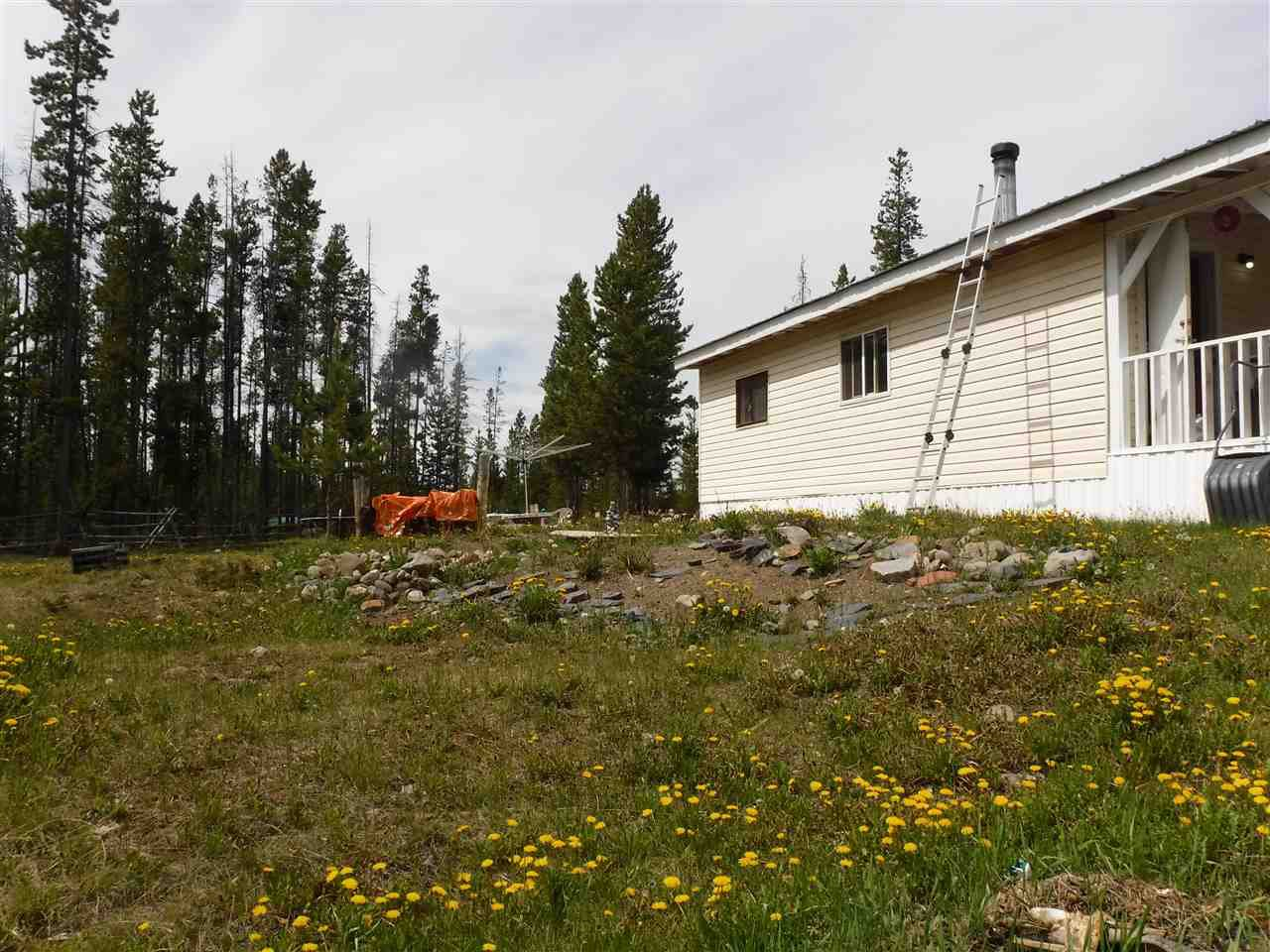 Main Photo: 2115 DORSEY Road in Williams Lake: Williams Lake - Rural West Manufactured Home for sale (Williams Lake (Zone 27))  : MLS®# R2461269