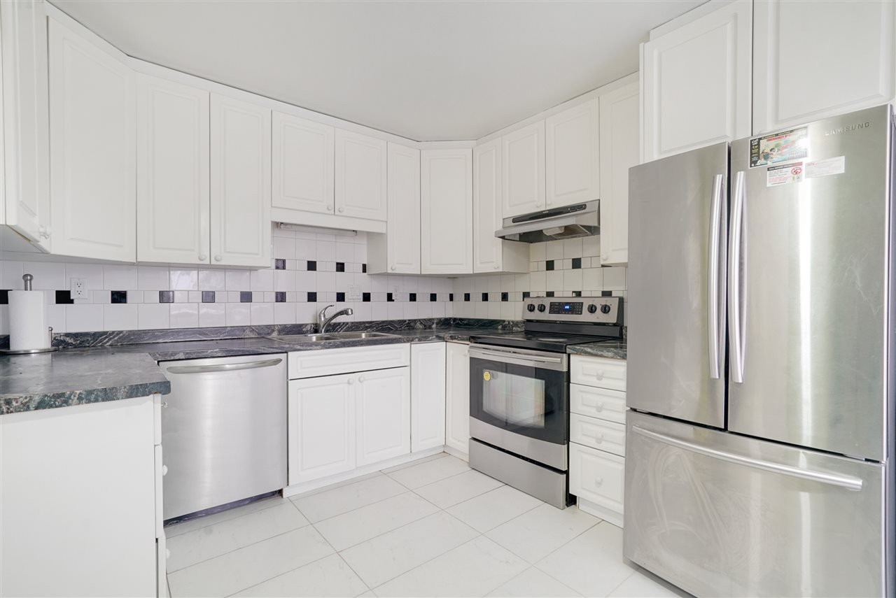 Main Photo: 17811 81 Avenue in Edmonton: Zone 20 House for sale : MLS®# E4182102