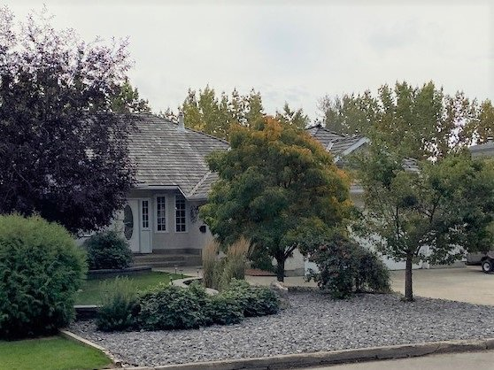 Main Photo: 80 MISSION Avenue: St. Albert House for sale : MLS®# E4211737