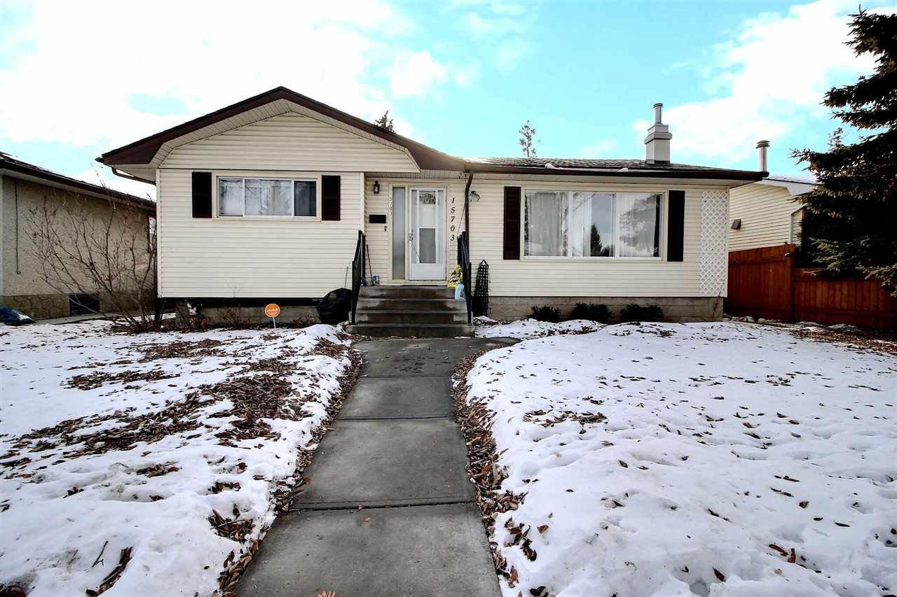 Main Photo: 15703 92 Avenue in Edmonton: Zone 22 Attached Home for sale : MLS®# E4225001