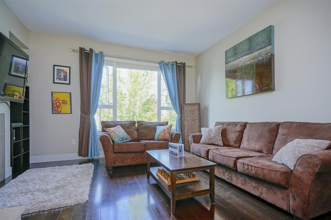"""Photo 7: Photos: 196 2501 161A Street in Surrey: Grandview Surrey Townhouse for sale in """"HIGHLAND PARK"""" (South Surrey White Rock)  : MLS®# R2391169"""