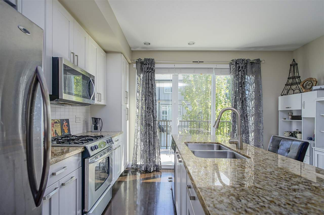 """Photo 3: Photos: 196 2501 161A Street in Surrey: Grandview Surrey Townhouse for sale in """"HIGHLAND PARK"""" (South Surrey White Rock)  : MLS®# R2391169"""