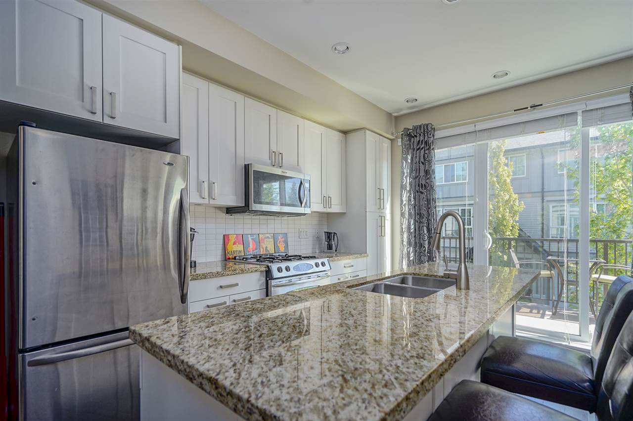"""Photo 2: Photos: 196 2501 161A Street in Surrey: Grandview Surrey Townhouse for sale in """"HIGHLAND PARK"""" (South Surrey White Rock)  : MLS®# R2391169"""