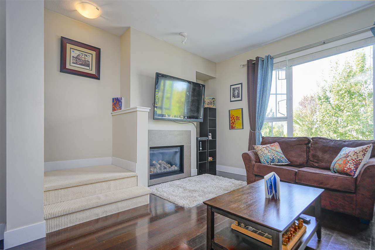 """Photo 6: Photos: 196 2501 161A Street in Surrey: Grandview Surrey Townhouse for sale in """"HIGHLAND PARK"""" (South Surrey White Rock)  : MLS®# R2391169"""