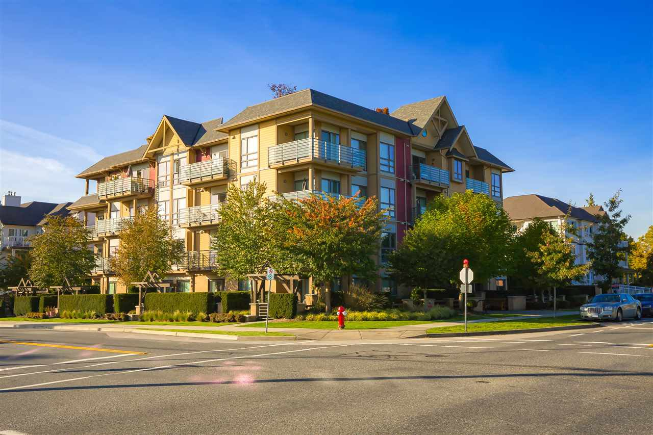 "Main Photo: 402 5811 177B Street in Surrey: Cloverdale BC Condo for sale in ""LATIS"" (Cloverdale)  : MLS®# R2413860"